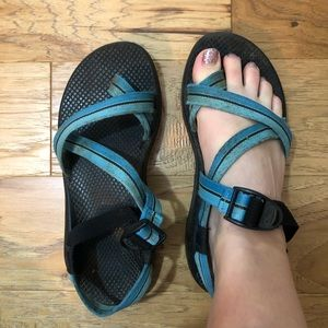 Chacos Strappy blue sandal women's size 9